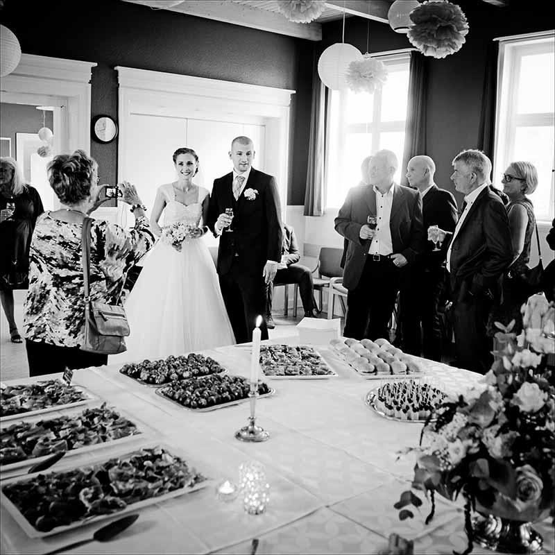 Bryllupsfotograf Silkeborg. Søger i en bryllupsfotograf