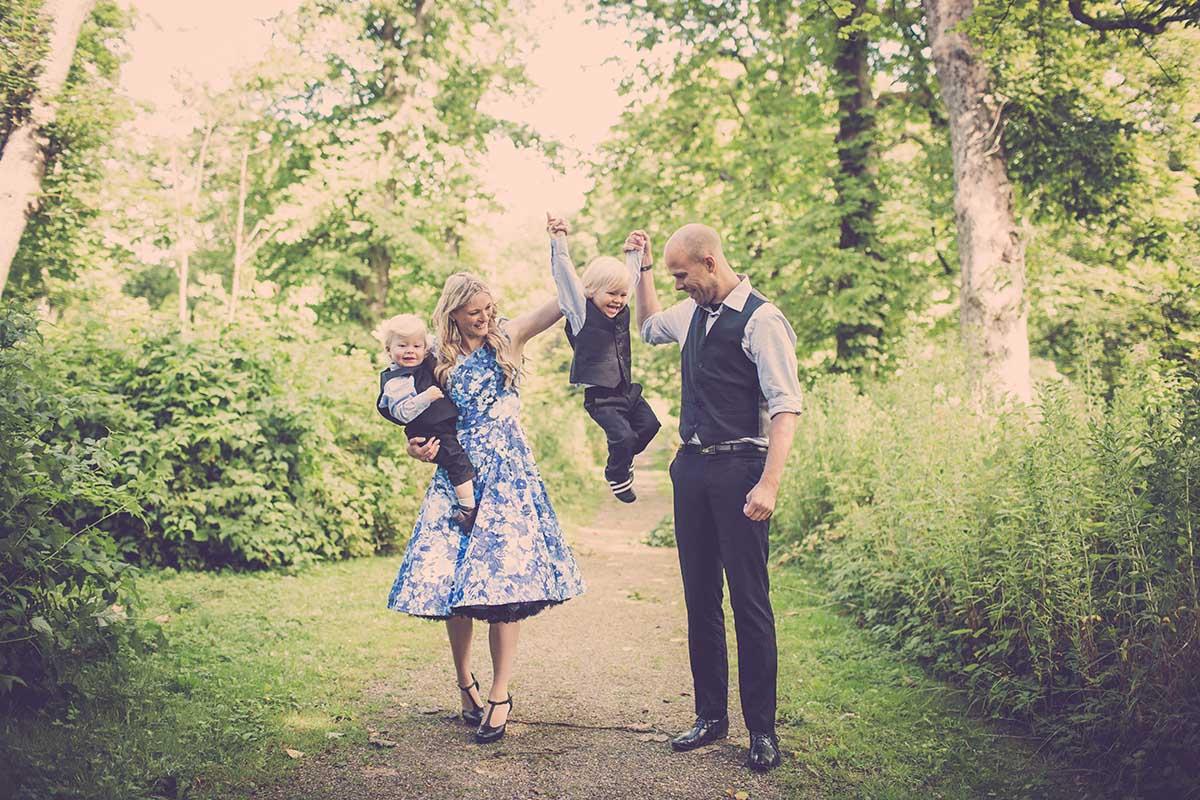 Familiefotografering er dog ikke kun velegnet som gave. Flere og flere får lavet familiebilleder