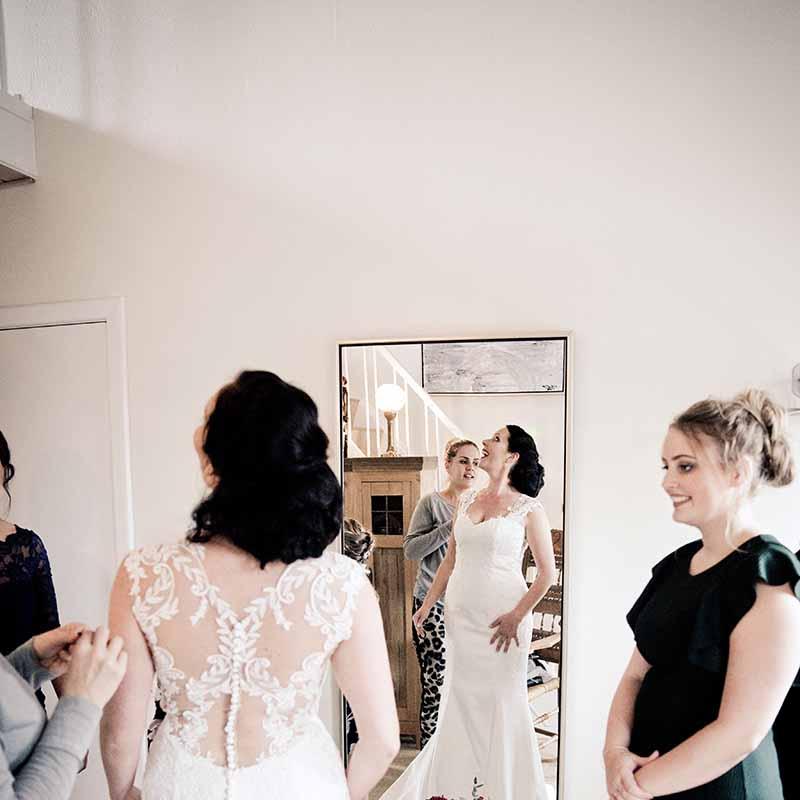 Find din næste fotograf i Silkeborg til dit kommende bryllup i Østjylland