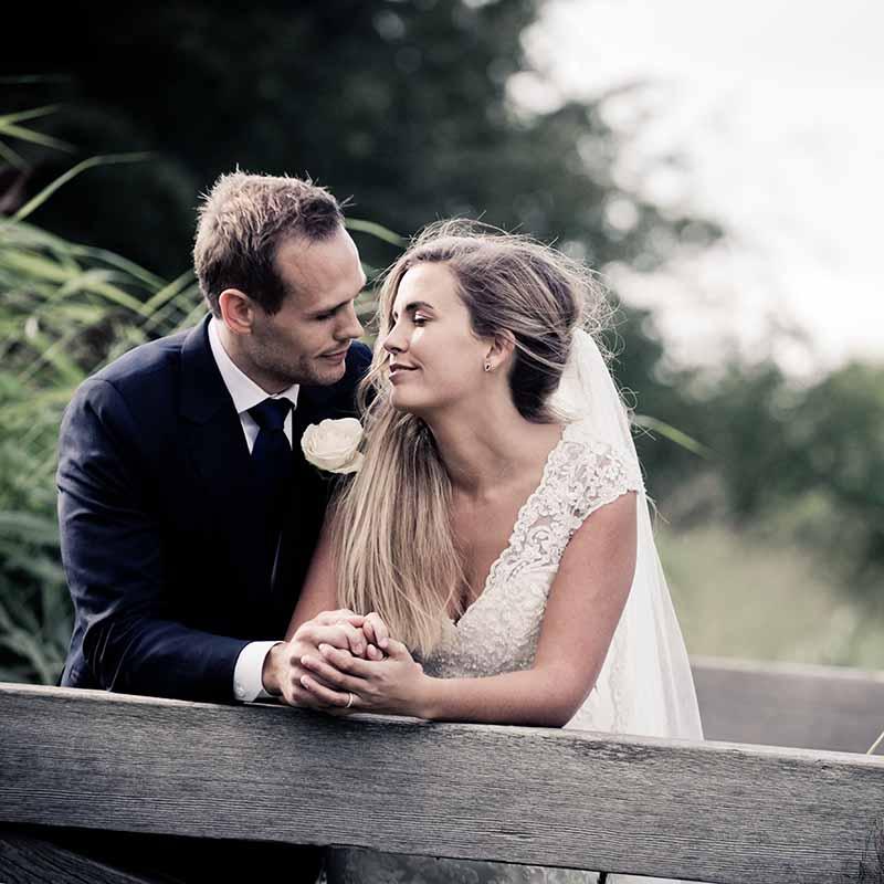 En professionel bryllupsfotograf Silkeborg og grundige overvejelser sikrer gode bryllupsbilleder